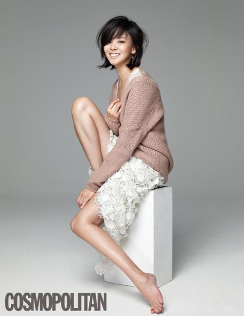 [芸能] 肌年齢25歳 SHIHO、ファッション誌グラビアで魅惑的な姿を披露