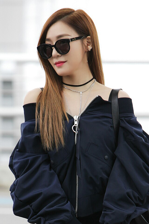 finest selection 95c19 20749 少女時代 ティファニー、ブラック&シックの空港ファッション ...
